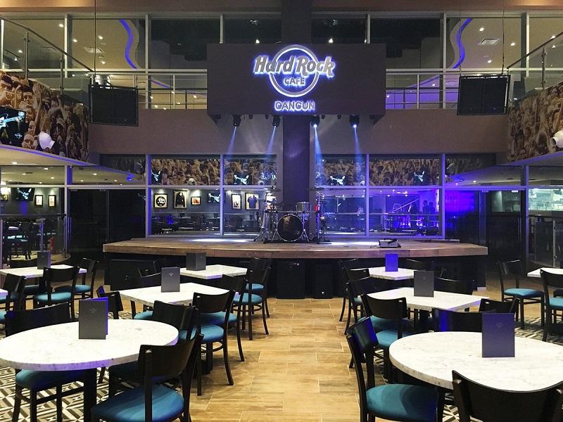 Hard Rock Cafe in Cancun