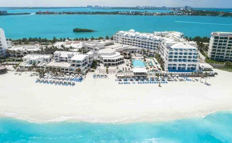 Luxury hotel in Cancun Hotel Zone