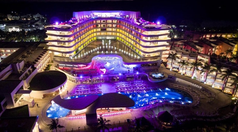 Luxury hotel in Cancun