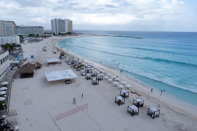 Gaviota Azul Beach in Cancun