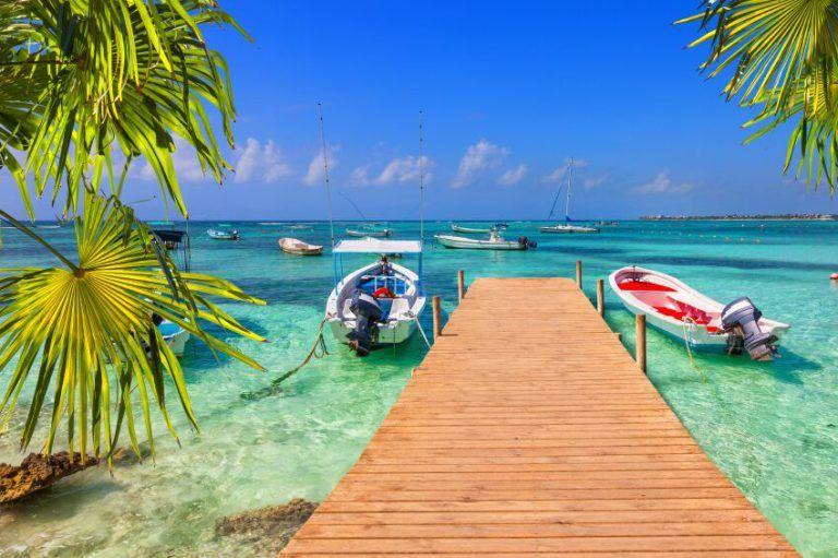 Beautiful looking beach in Cancun