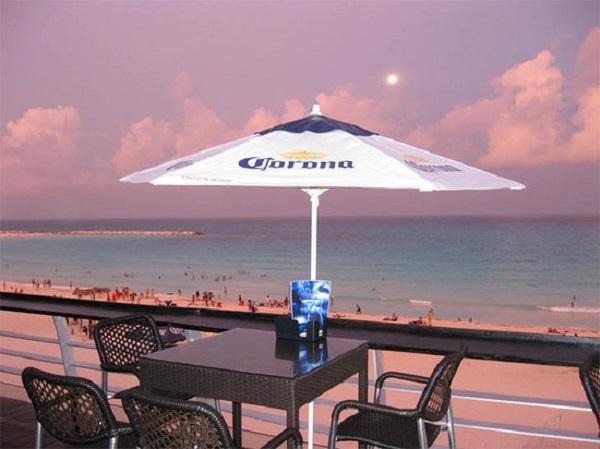 Blue Bar in Cancun