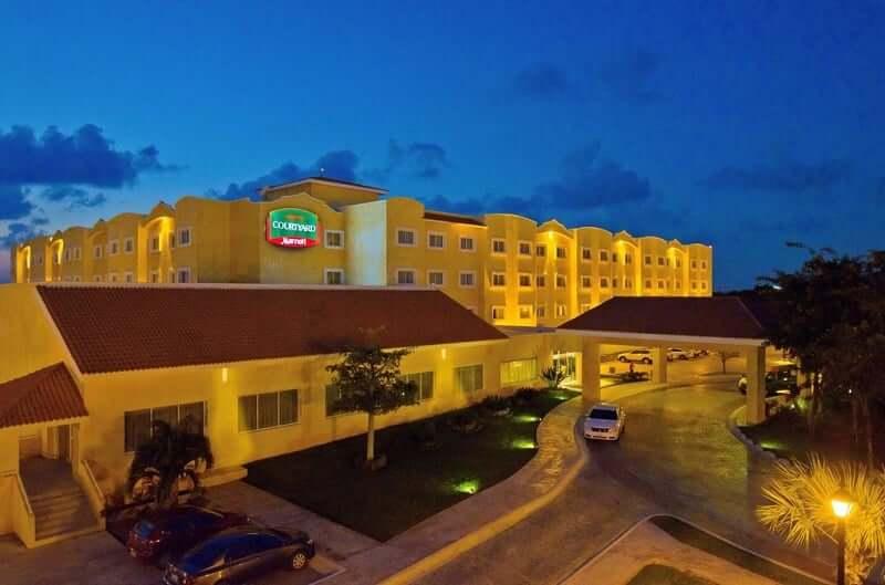 Hotel Courtyard Cancun