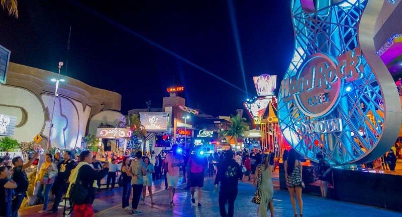 Nightlife in Cancun