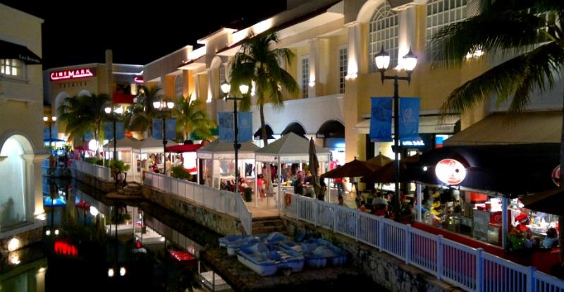 Shops at Plaza La Isla mall in Cancun