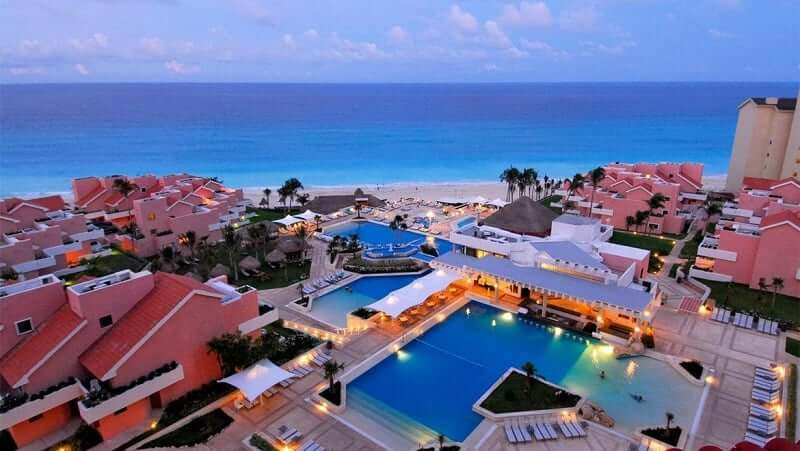Tips of hotels in the Cancun Hotel Zone
