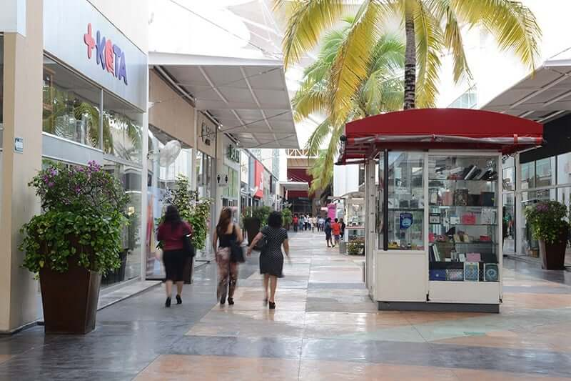 Stores at Las Plazas Outlet in Cancun
