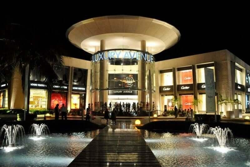 Luxury Avenue at night in Cancun