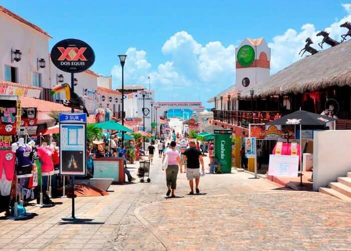 Tulum Avenue in Cancun