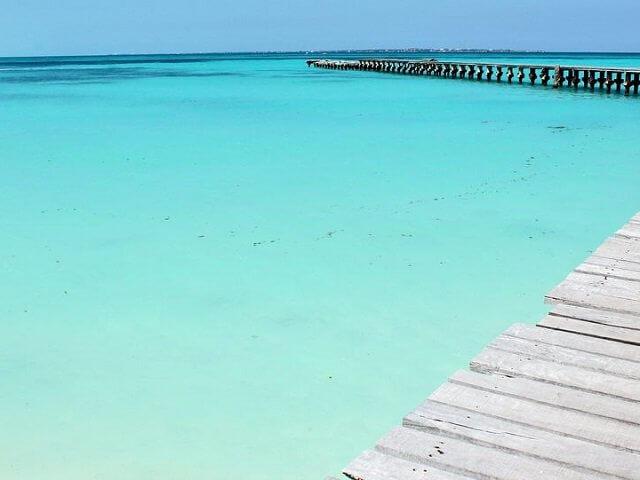 Caracol Beach in Cancun
