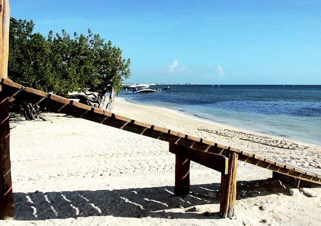 Las Perlas Beach in Cancun