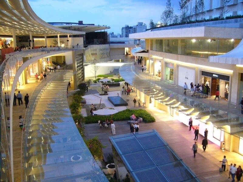 Stores at Antara Fashion Hallmall in Mexico City