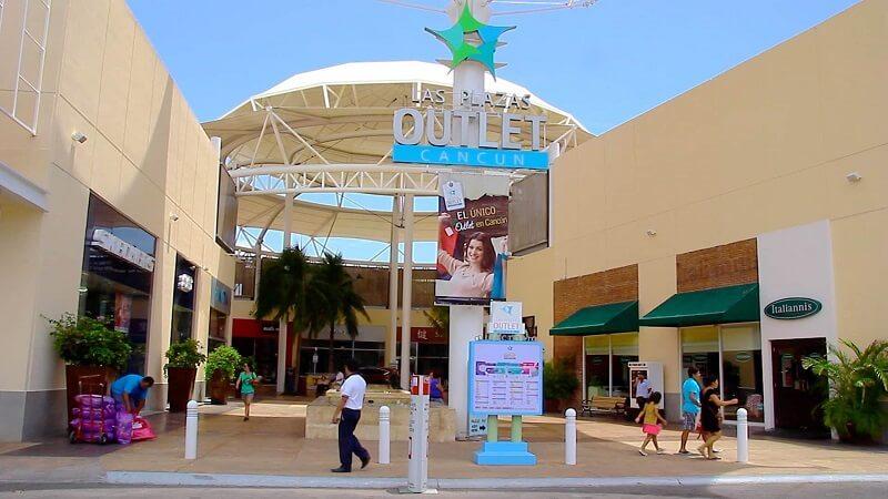Las Plazas Outlet in Cancun