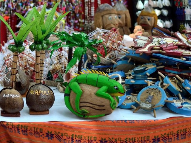 Where to buy souvenirs in Acapulco