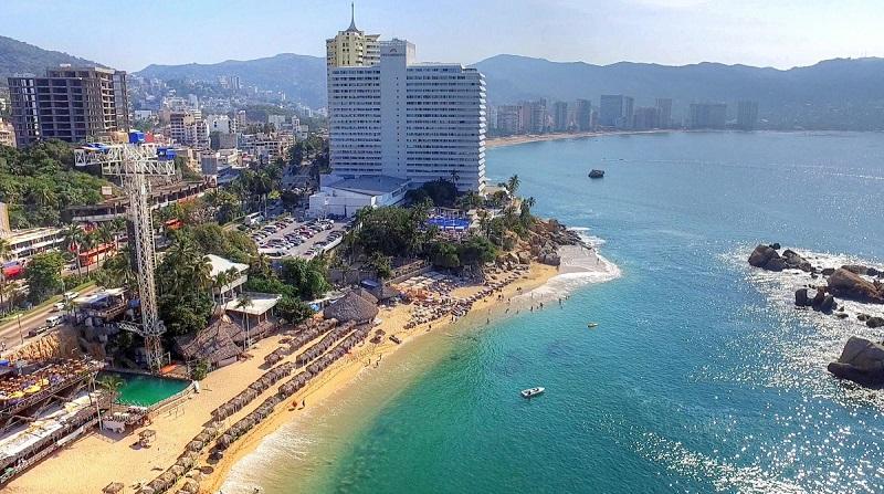 View of La Condesa Beach in Acapulco
