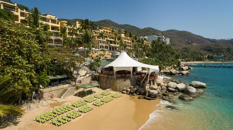 Pichilingue Beach in Acapulco