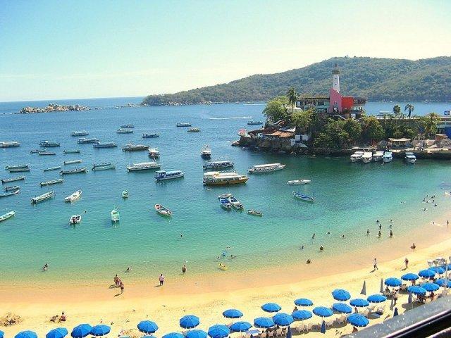 Caletilla Beach in Acapulco