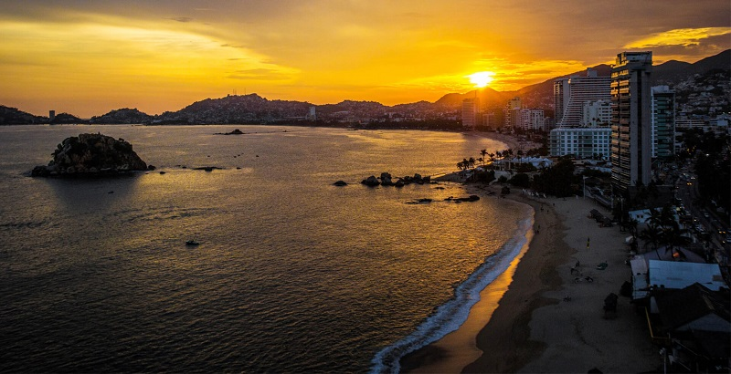 How to find promotional airline tickets to Acapulco