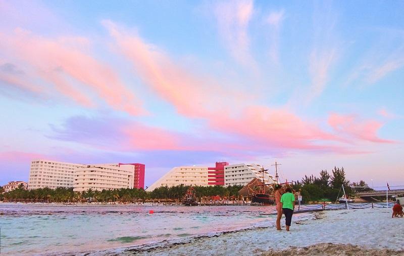 Linda Beach in Cancun