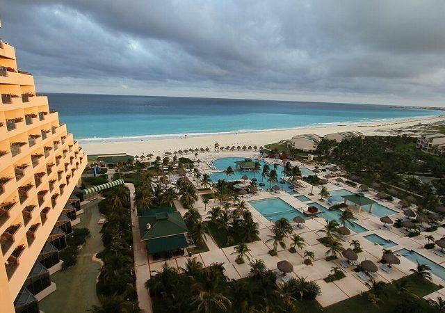 Hurricane in Cancun